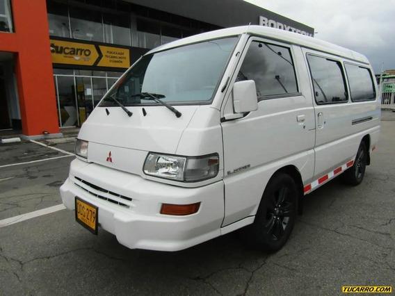 Mitsubishi L300 Microbús