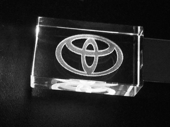 Pen Drive 32gb Cristal Toyota Branco + Caixa Portátil