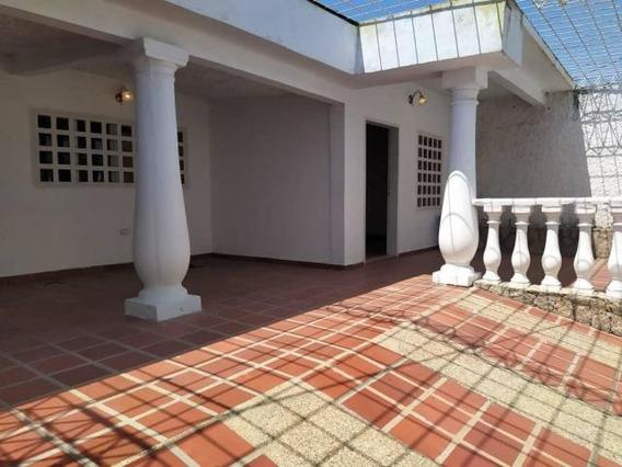 Casa En Venta En Maracay San Carlos Zp 20-16229