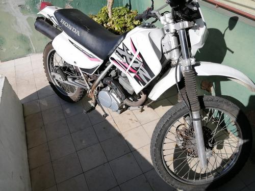 Imagen 1 de 1 de Honda  Xr 200