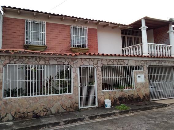 Casa, Urb. Las Rosas, Campo Alegre, Guatire