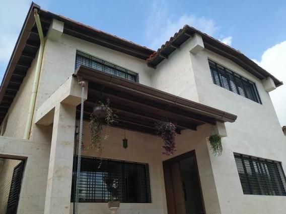 Casa En Venta El Trigal Norte Valencia Carabobo 20-8623 Dag