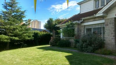 Casa Con Gran Jardin Cerca Del Mar