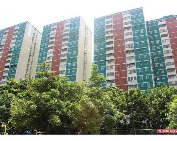 Araguaney Apartamento 3 Habitaciones,1 Baño, Estacionamiento