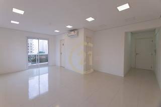Sala Comercial Nova 35m³ Ar Condicionado Porcelanato Varanda 2 Banheiros 1 Vaga Condomínio Gerador Cafeteria Sala De Reunião Pronto Para Entrar - Cj3397