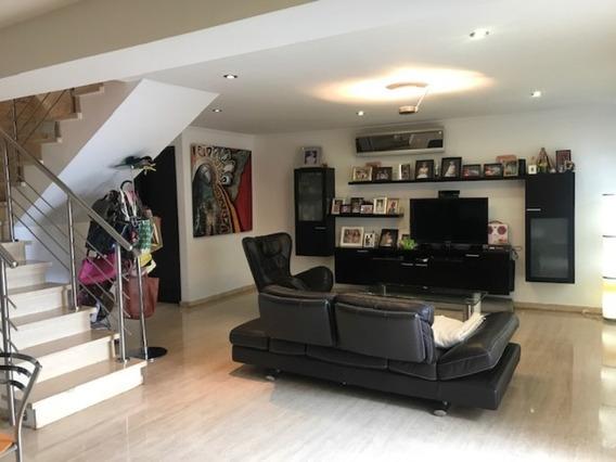 Se Vende Casa 175m2 3h+s/2.5b+s/3p Loma Linda