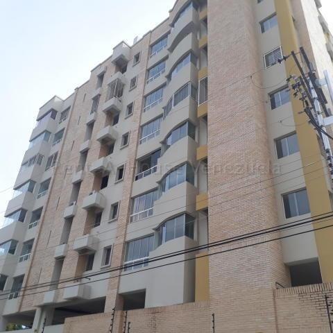 Apartamento En Venta La Esperanza Maracay Dp 20-8510