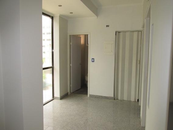 Oficina En La Arboleda, Maracay Código 387835 Glory González