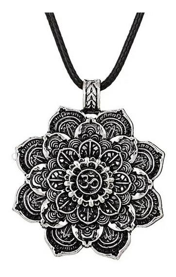 Collar Mandala Om Acabado Plateado Antiguo
