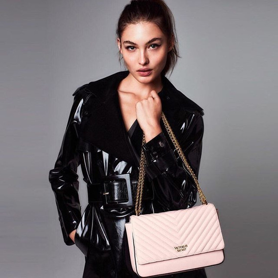Cartera Cross Body Pebbled V Quilted Victoria