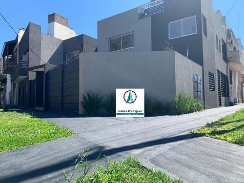 Ph Casa 3 Ambientes Cochera Y Patio - Gerli - Lanus