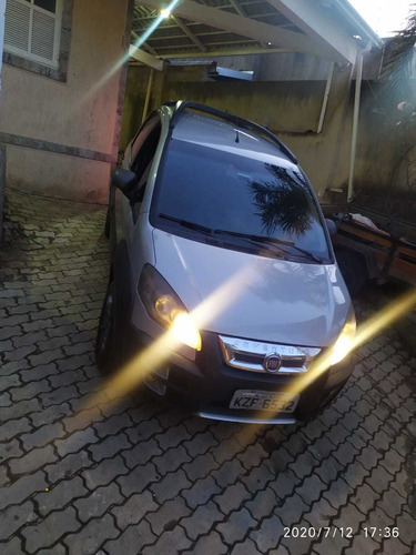 Imagem 1 de 5 de Fiat Idea 2012 1.8 16v Adventure Flex 5p