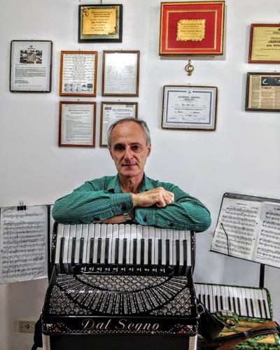 Imagen 1 de 10 de Clases De Acordeon A Piano Online