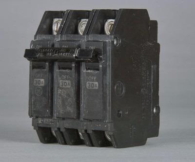 Caja De 2 Breaker Thqc 3x40, 3x50, 3x60 General Electric