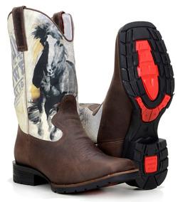 635b13a195976c Bota Country Masculina Texana Estampada Horse Black Quadrada · 3 cores