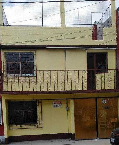 Se Vende Casa En Excelente Ubicación, Frente De Plaza Ecatepec