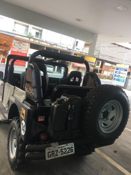 Vendo Jeep Ford Willys, Ano 1960, 3 Marchas, 4x4.