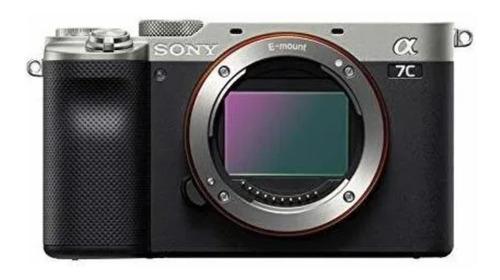 Sony Alpha 7C compacta color  plateado