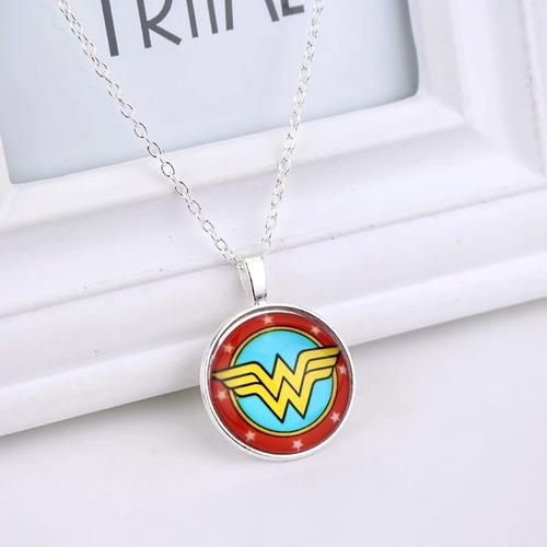 Imagen 1 de 8 de Collar Wonder Woman