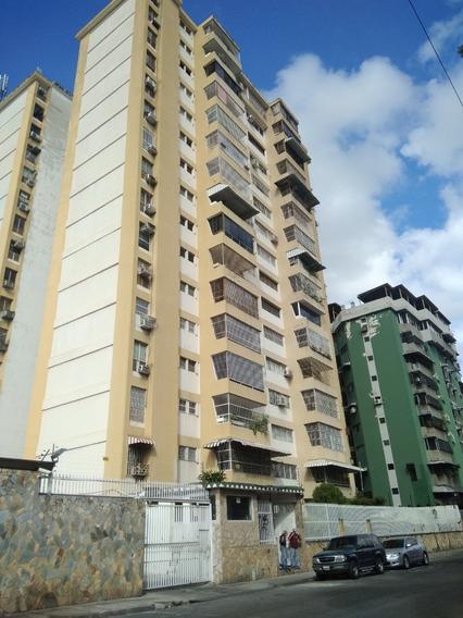 Apartamento En Venta Urb. La Esperanza 0412-8887550