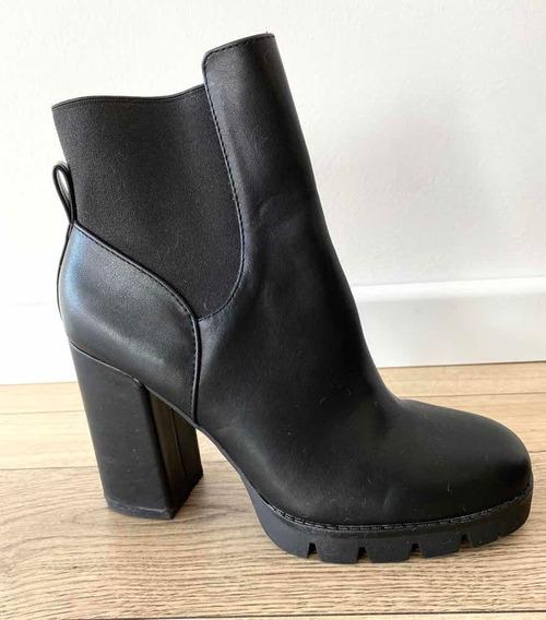 Botas Zara - Cuero Negro Talle 40