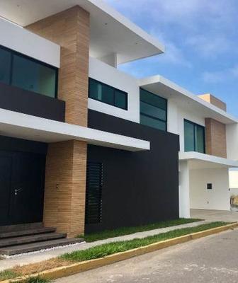 Casa A La Venta En Boulevar Mandinga Alvarado, Veracruz