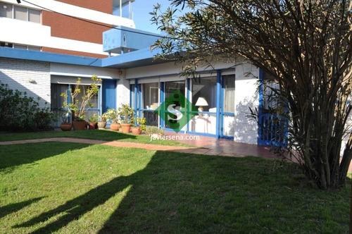 Imagen 1 de 14 de Alquiler De Casa Frente Al Mar, Zona Brava, 3 Dormitorios, 2 Baños, Linda Zona. - Ref: 44013