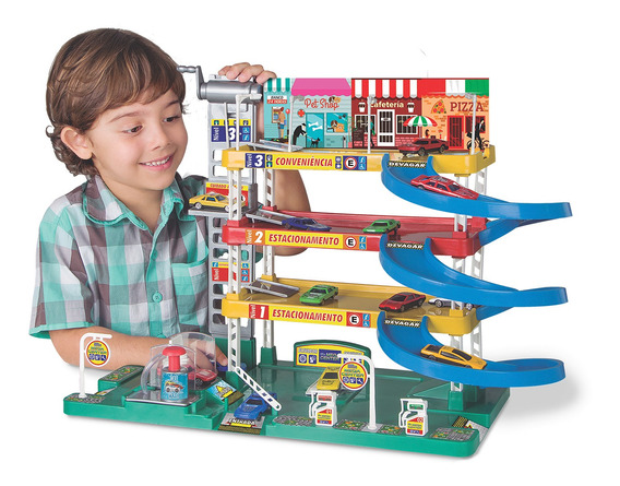 Posto Lava Rapido Com Agua Brinquedo Infantil C/ Elevador