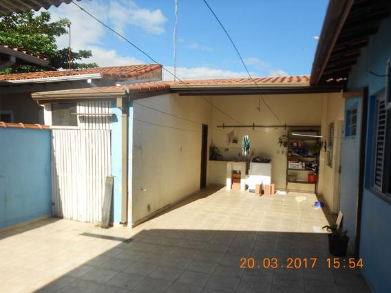 Vende Casa 3 Dormitórios - M. Castelo | Sjcampos - 092