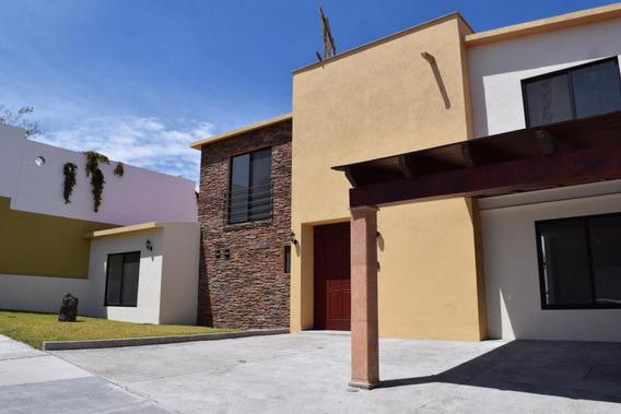 Casa En Venta Zibata 2126 Jl