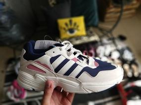 Tenis adidas Yung