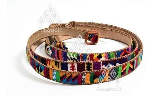 Cinturón Artesanal Tejido Multicolor Sobre Piel