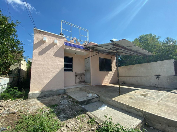 Casa En Venta En Merida, Col. Castilla Cámara. ¡para Restaurar, Gran Terreno!
