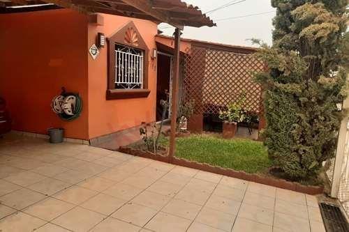 Casa En Venta En Fraccionamiento Real Del Rio Con Extensión De Local. $ 1,200,000. Pessos