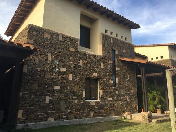 Urb. Casa De Campo