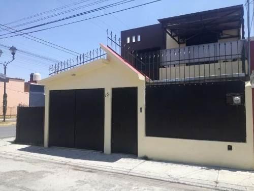 Casa Sola En Venta Pitahayas, Excelente Ubicación En Esquina, Ideal Para Negocio.