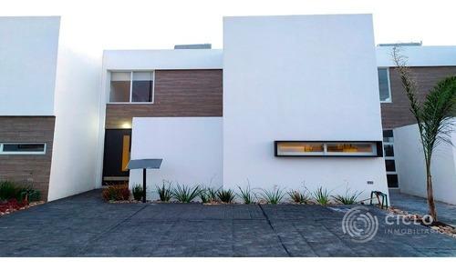 Casa En Corregidora Queretaro.