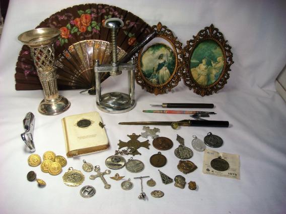 Lote De Antigüedades Y Medallas Religiosas