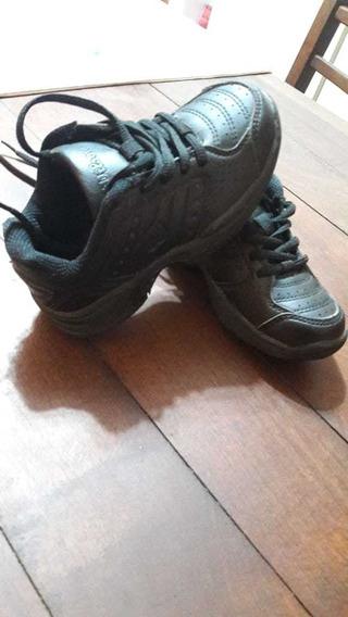 Zapatillas Escolares Color Negro