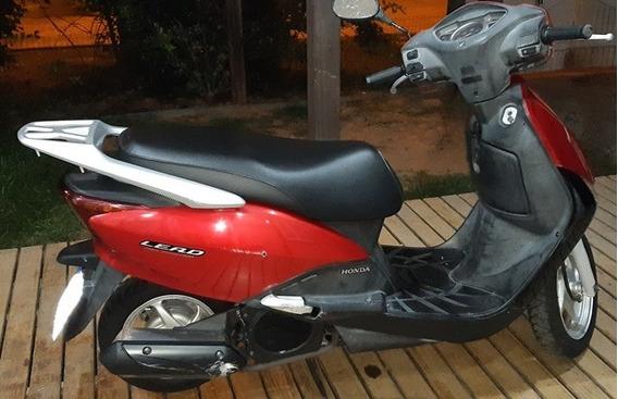 Vendo Moto Honda Lead 110cc, Ano E Modelo 2010. Vermelha