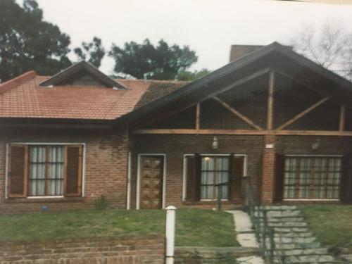 U$s100.000 Calle 137 Nº 653, Villa Gesel, Duplex En Venta.