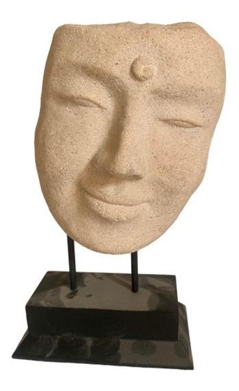 Rostro Sonriente Del Buddha En Piedra Con Base Metálica