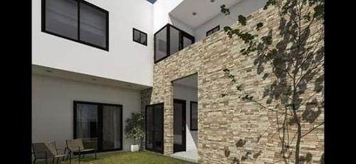 Excelente Casa En Venta Punta Esmeralda.