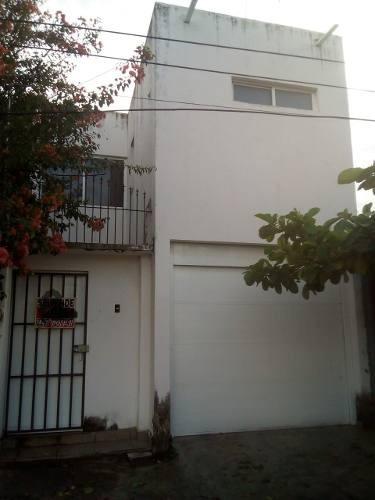 Casa En Venta Col. Hidalgo Cerca Imss Cuauhtemoc Veracruz