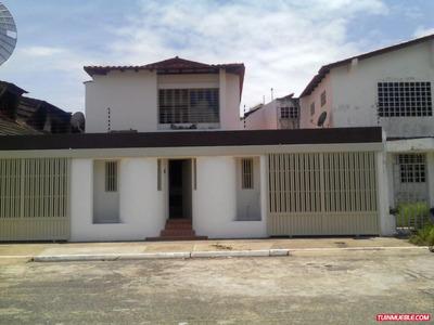 Casa En Alquiler En Urbanización Chilemex