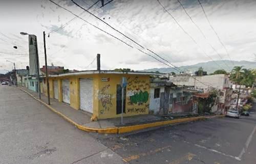 Vendo Esquina A Precio De Terreno. Col. México. Alta Plusvalía.