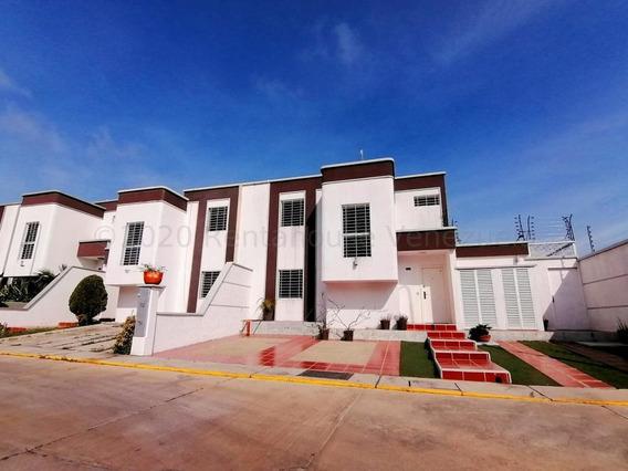 Hermosa Casa En Alquiler En Cabudare #21-4670