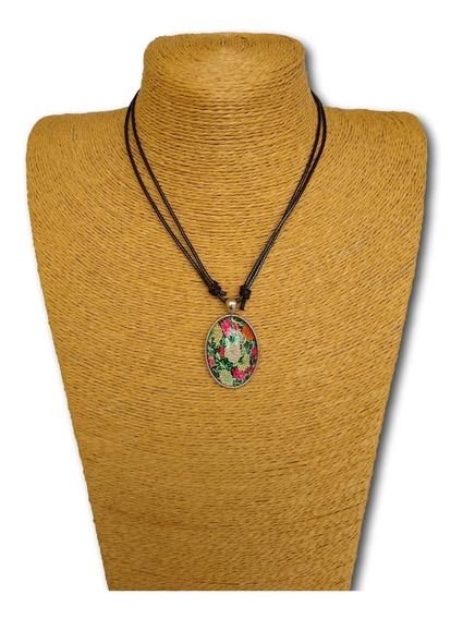 Colar Mandala Fluorescente Brilha No Escuro Ref: 8090