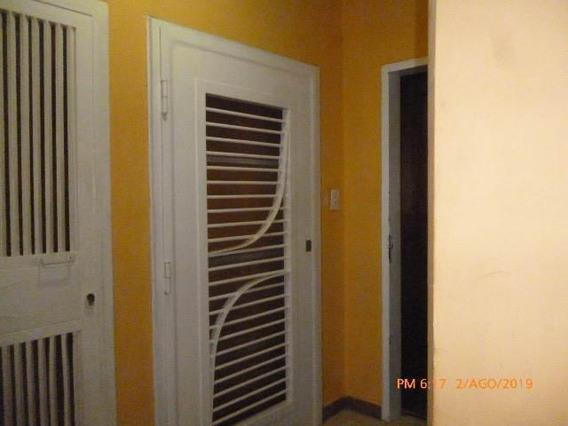 Apartamento En Vnta. La Victoria. Cod Flex 19-14130 Mg