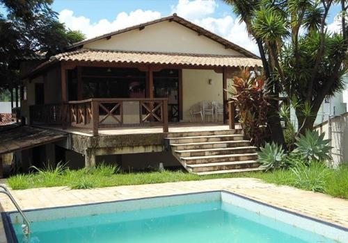 Linda Casa Colonial De 6 Quartos Com Ótima Infra-estrutura - 2047